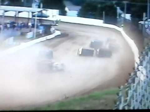 Bedford Speedway 8-5-16 SLM Heat 2 .. *