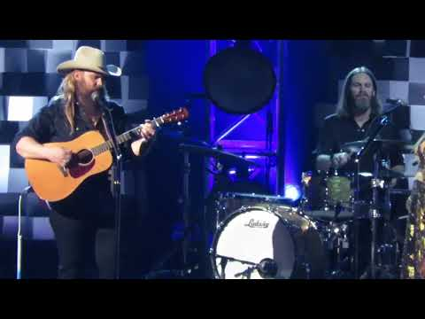 Chris Stapleton 51st CMA Awards 2017 Broken Halos Nashville