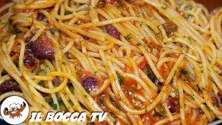 297 - Spaghetti alla puttanesca...e l'estate è bella fresca! (primo piatto facile veloce e saporito)