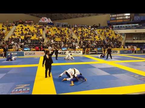 Breno Bittencourt X Michael Anthony Perez (3ª Luta Worlds 2016 Brown Belt Light DIvision)