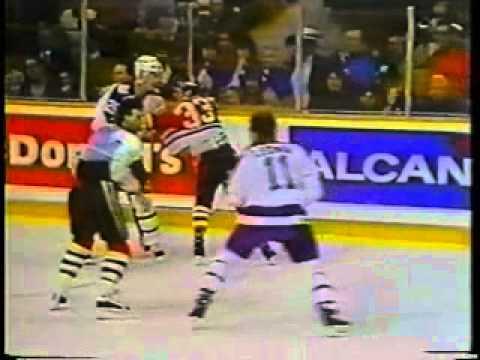 1989-90 - Blackhawks @ Maple Leafs - Gary Leeman vs Denis Savard