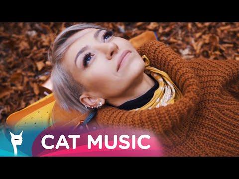 Смотреть клип Giulia - Absent
