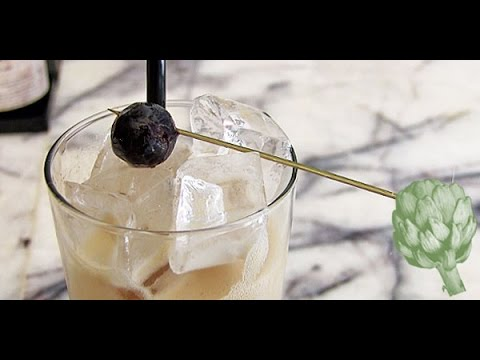 Make This Iced Coffee Cocktail For Brunch, Kill Two Birds With One Stone | HuffPost Life