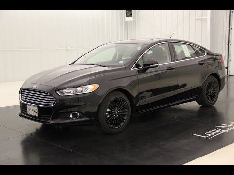 2016 Ford Fusion SE: Standard Equipment & Available Options