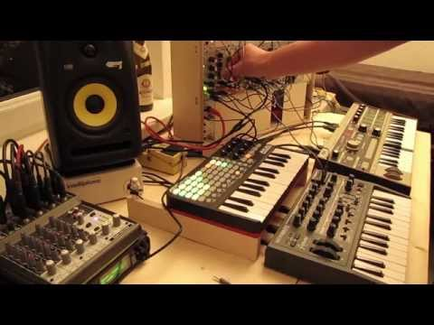 Live Jam #06 - Techno / Ambient - Akai APC key25, Arturia Microbrute, Microkorg, Modular
