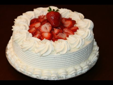 G teau shortcake aux fraises strawberry shortcake - Decoration gateau avec creme chantilly ...