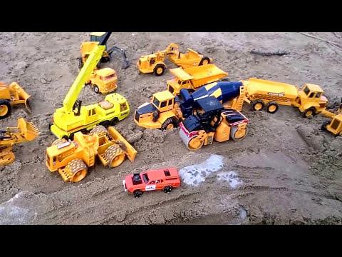 JUGUETES PLAYA Máquinas JOAL Excavadora Tractor Camión Grúa Hormigonera Bulldozer Construcción Obra