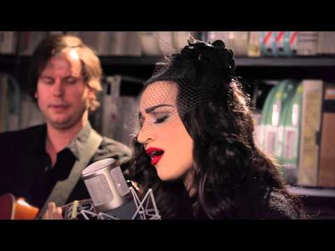 Lindi Ortega - Half Moon - 10/15/2015 - Paste Studios, New York, NY