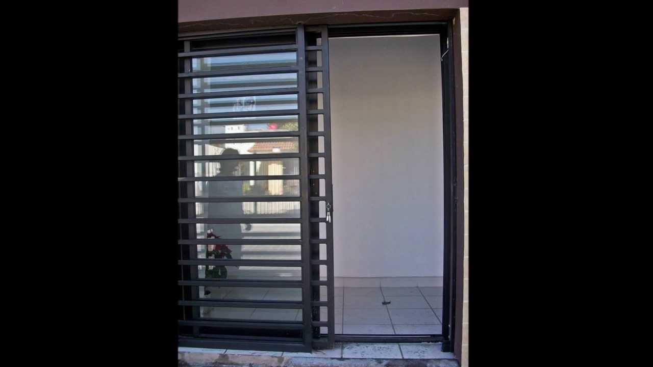 Protecci n minimalista instalado en un negocio youtube for Puertas para casas minimalistas