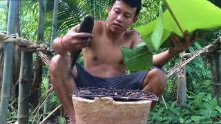 Bushcraft with primitive wine + fish