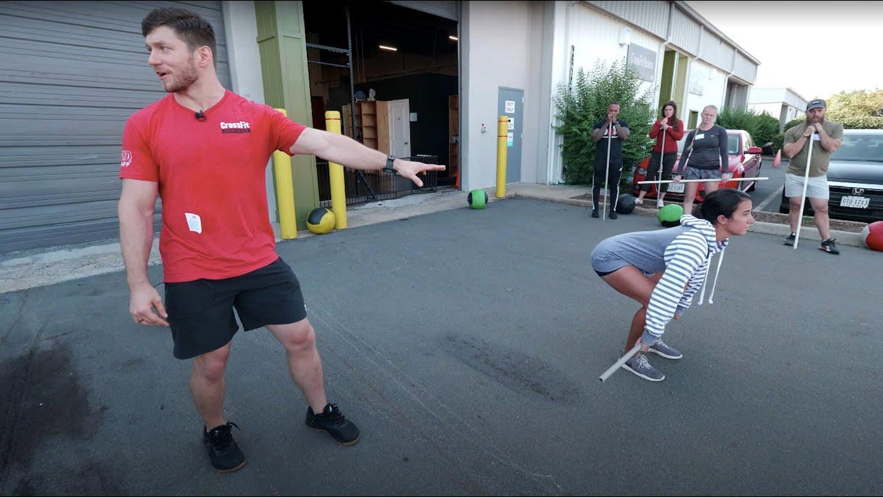 Deadlift: Knees Back, Chest Up