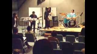 ドラム教室の発表会に初めて参加しました。 初めての軽音バンド形式の演...