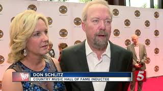 3 Country Music Artists Inducted Into Hall Of Fame