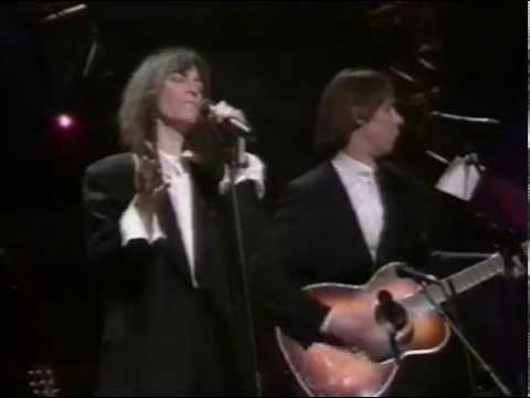 "Patti Smith & Fred ""Sonic"" Smith - People Have the Power [Live 3-16-90]"