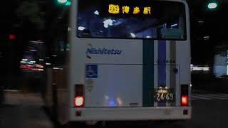 西鉄バス路線車(博多駅行き)・奥の堂バス停を発車