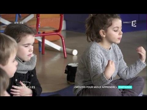 Comment apaiser les enfants avec la méditation ? La Maison des Maternelles
