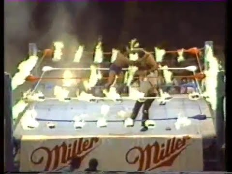 "NWA WWC Wrestling  ""A Hot Night in Bayamon"" 1988 FIRE MATCH !"