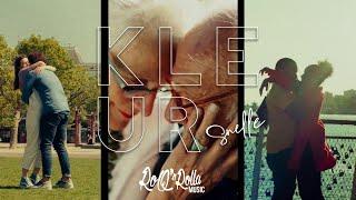 Смотреть клип Snelle - Kleur