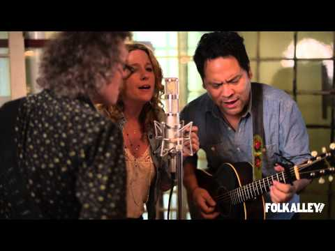 Folk Alley Sessions: Amy Helm & The Handsome Strangers -