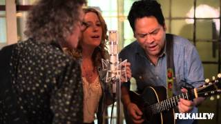 """Folk Alley Sessions: Amy Helm & The Handsome Strangers - """"Sky's Falling"""""""