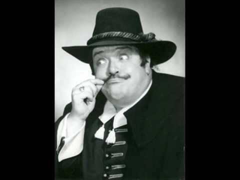 """Salvatore Baccaloni sings """"Bibbidi-Bobbidi-Boo"""""""