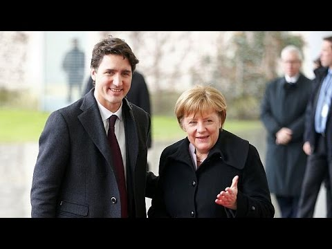 Trudeau à Berlin : les anti-CETA dans la rue et le cadeau spécial d'Angela Merkel