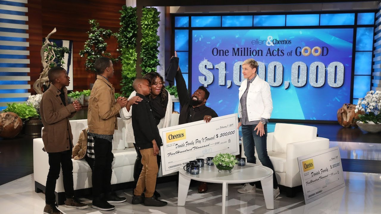Ellen Degeneres Show Christmas Giveaway 2020 Ellen DeGeneres gives family $1m in record giveaway | The