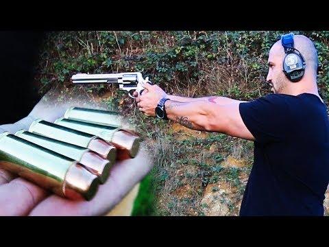 JE TIRE AVEC LE REVOLVER LE PLUS PUISSANT DU MONDE : Smith & Wesson 500 !