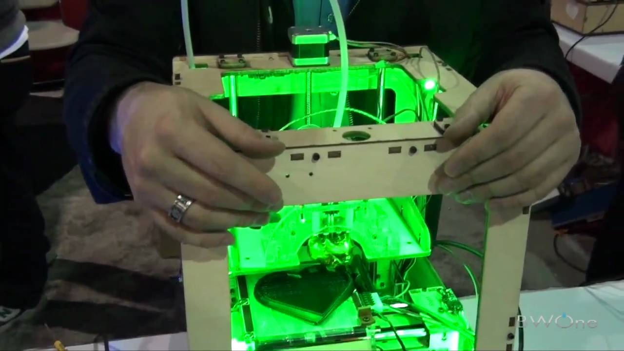 MakerBot 3D Printer Demo - YouTube