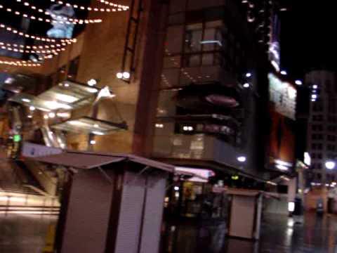 Hollywood Boulevard at Night & The Kodak Theatre - Los Angeles  (USA)
