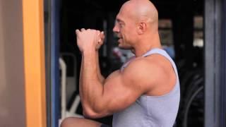 видео упражнения на трицепс с гантелями