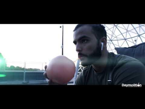 Gustavo - Petit Pélican I Daymolition