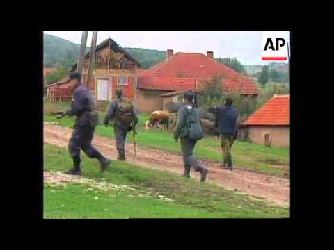 KOSOVO: ETHNIC ALBANIANS FLEE VILLAGES IN DRENICA AREA
