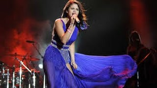 Selena Gomez - A Year Without Rain, Hit The Lights Live  (Vídeo Clip)
