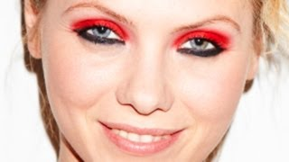 Red eyeshadow Thumbnail
