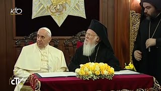 Video Divine liturgie avec le Pape en l'église Saint-Georges download MP3, 3GP, MP4, WEBM, AVI, FLV Agustus 2018