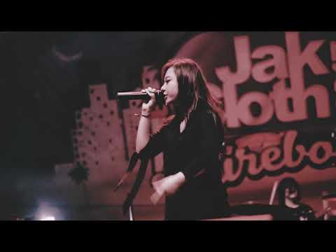 Kilms Ft. AIU - Fake (Live At Jakcloth Goes to Cirebon 2017)