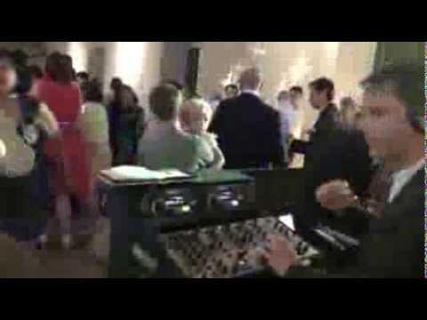 Beispiel: Hochzeits-Party mit Hochzeits-DJ Markus Schuh aus Augsburg,Video: DJ Markus Schuh.