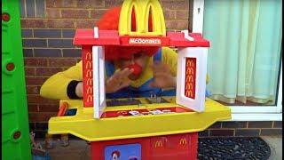 Kids Buying Food Pretend Play at McDonald's