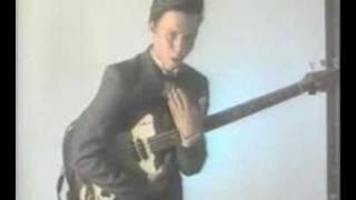 Смотреть клип песни: Мумий Тролль - Кассетный мальчик
