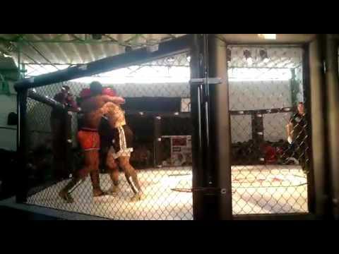 Airton Du Boxe Vs Kaique Santos SSF Muay Thai Amador 30/04/2016