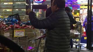 INDIAN  Diwali Shopping In USA/Huge Diwali Sale Items Outside Of The Store On Display /2017
