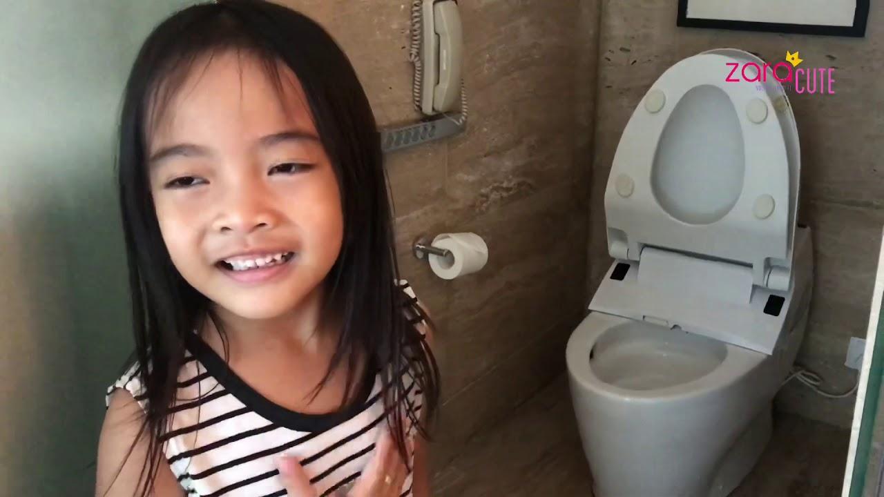 Liburan Akhir Tahun Keluarga Zara Cute   Norak ketemu Toilet Jepang yang Canggih di Hotel Kempinski