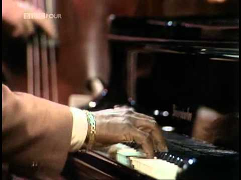 Oscar Peterson & Joe Pass | Just Friends