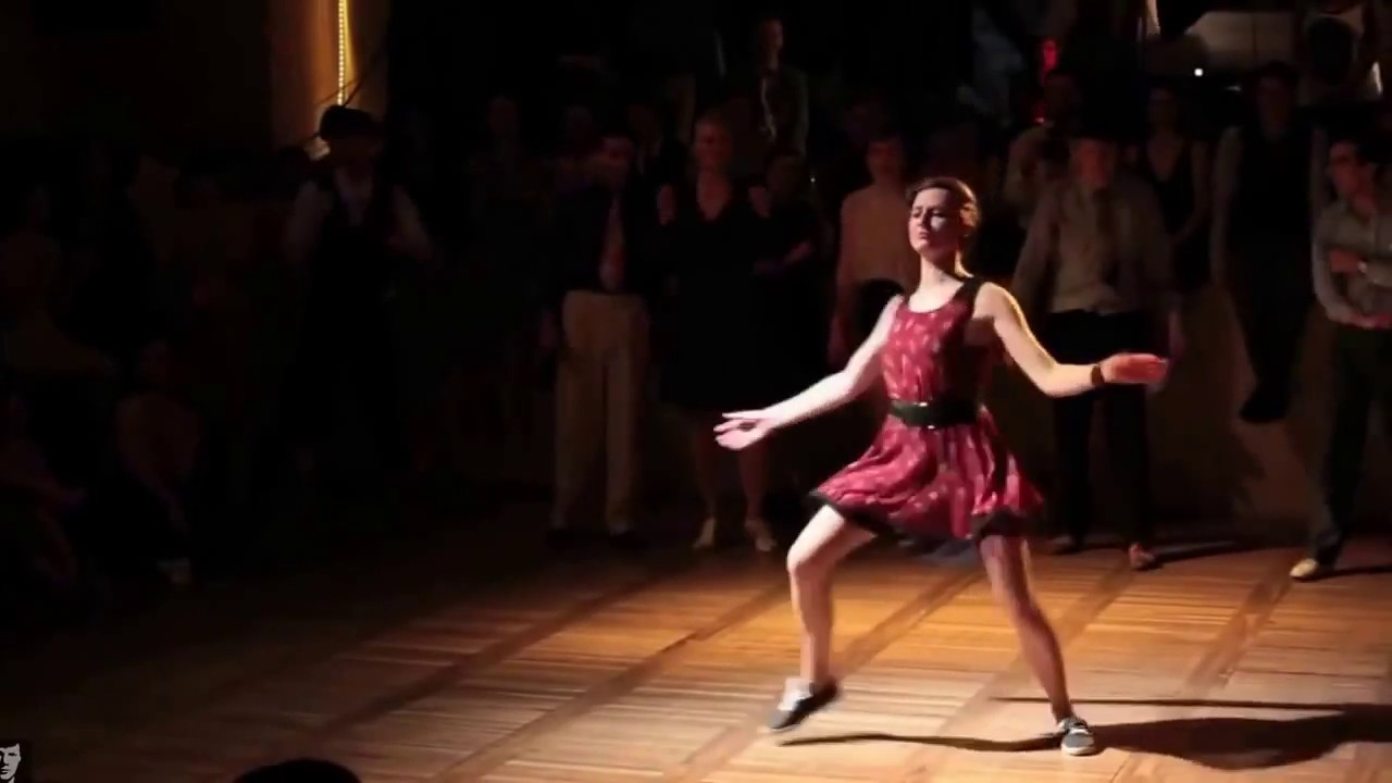 Одесса девочка в платье из ситца видео