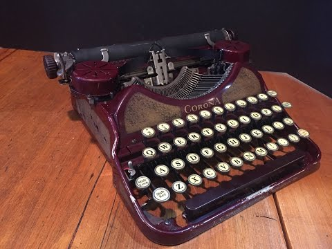 Antique L.C. Smith & Corona No. 4 Portable Typewriter c. 192