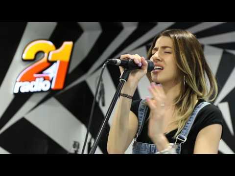 Lidia Buble - Mai ramai si nu pleca, iubirea mea (cover Aura Urziceanu) (LIVE @ RADIO 21)