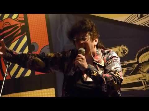 Ellis sings Karaoke: Shiloh