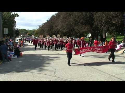 Maquoketa Middle School Marching Band - Anamosa Pumpkinfest 2010.mpg
