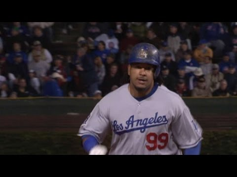 2008 NLDS Gm1: Manny crushes a solo homer in the 7th